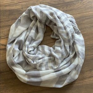 Light/dark grey sparkly infirmity scarf